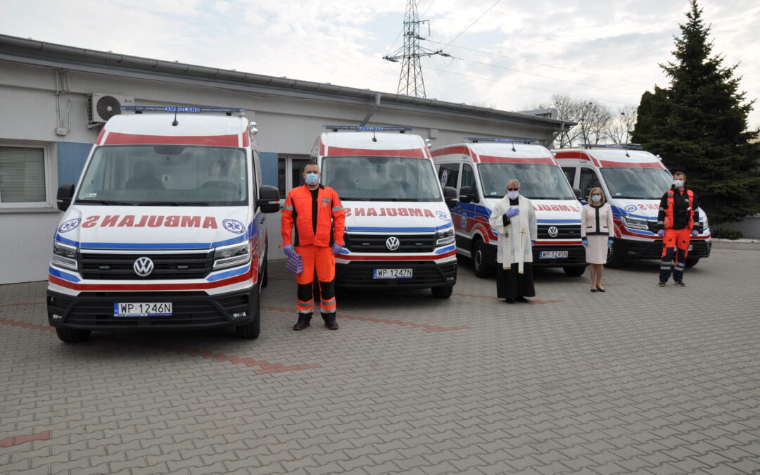 Poświęcenie ambulansów