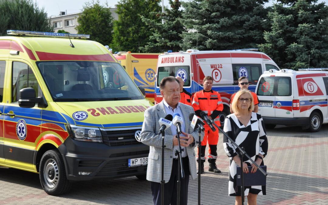 Przekazanie dwóch ambulansów sanitarnych 20 sierpnia 2021 r.
